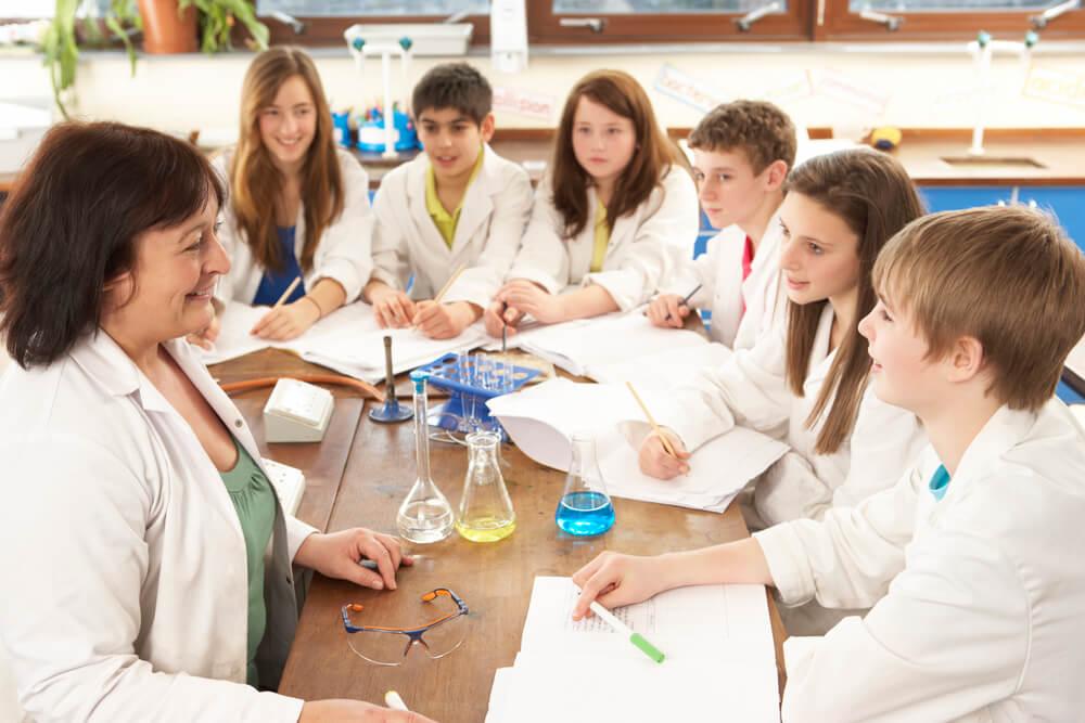 51687-3-experiencias-cientificas-para-deixar-a-aula-ainda-mais-divertida
